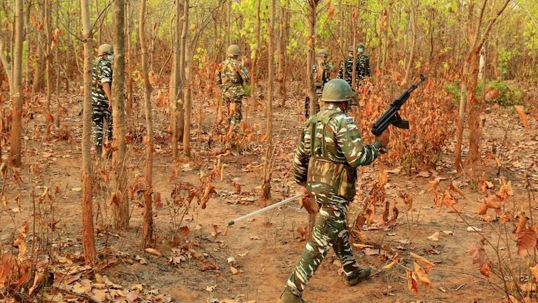 [REPRESENTATIVE IMAGE]  नक्सल प्रभावित इलाकों में गश्त कर रहे सुरक्षा बलों की फाइल फोटो