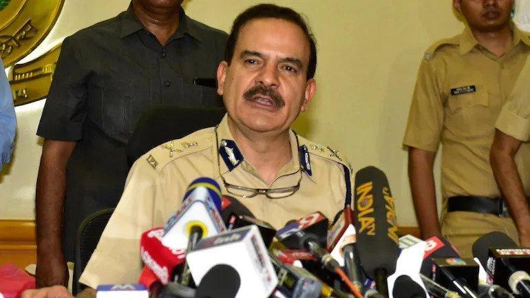 महाराष्ट्र डीजीपी उद्धव ठाकरे को लिखते हैं, परम बीर सिंह जांच से हटाने के लिए कहते हैं